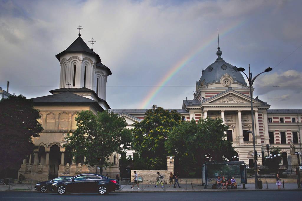 Urban rainbow by nicubunu