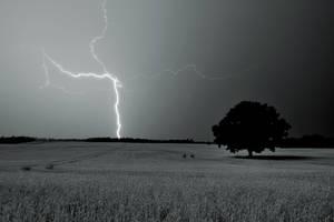 Night storm by tomsumartin