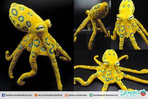 Hapalochlaena lunulata Custom Plush by DemodexPlush