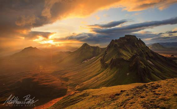 Icelandic Highlands Sunset by Bakisto