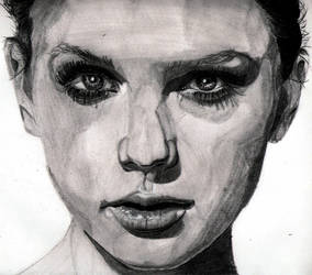 Taylor Swift by Shigdioxin