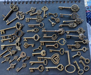 Freebie decorative keys by Geekophelia