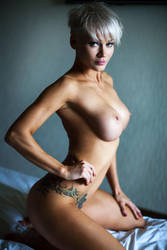 An (nude model test shot) by Aledgan