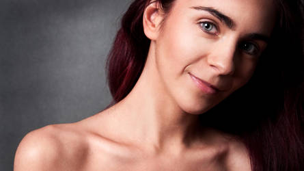 beauty portrait by Aledgan