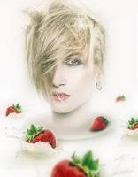 Strawberry Milkshake by Lhianne