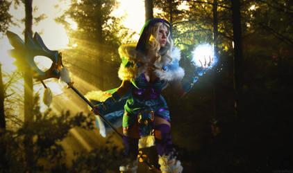 Crystal Maiden cosplay by Gabardin