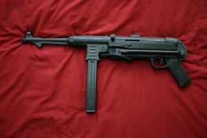 MP40 Right by L-Jodorowsky