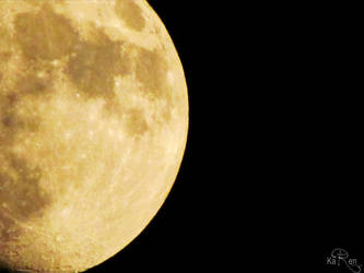 Detalle de la Luna by KaryBarahona