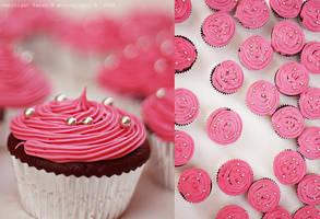 Pink Cupcakes .. by sara-m