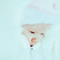 Snow Girl by raineese