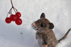 Needle felted mouse 3 by Sillykoshka