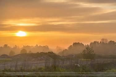 Sunrise by Behindmyblueeyes