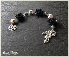 Dark Goddess pagan prayer beads by Marjolijn-Ashara