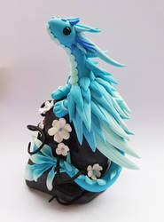 Dragon bleu aux fleurs by krisclay74