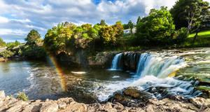 Haruru Falls by TarJakArt