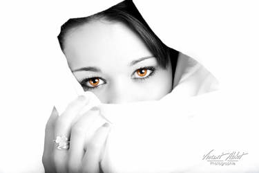 Manon by GamesOfLight