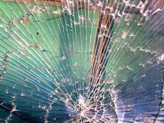peacock glass shattered by synesthesea