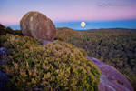 Cathedral Rock Moonset by DrewHopper