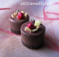 Chocolate Mini Cakes by xXSceneStyleXx