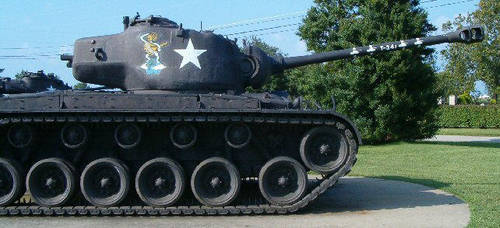 American Pershing - Side by RBL-M1A2Tanker