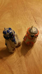 Two Little Droids by IvyRoseLilane