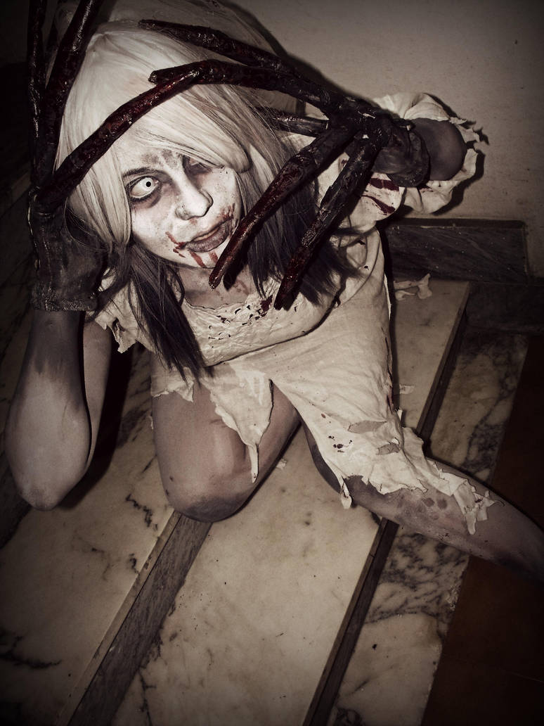 Left 4 dead witch cosplay