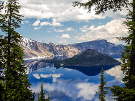 Crater Lake: Wizard Island by j-ouroboros