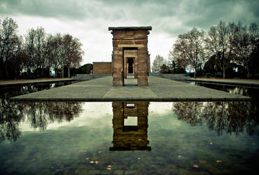 Temple De Debod by BloodyRegret17