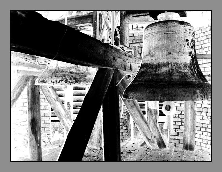 The light old bell... by Zazou8888