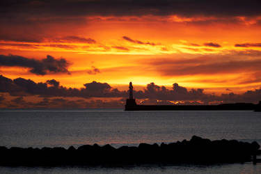 Aberdeen Sunrise II. - Lighthouse by TomZoy