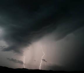 Lightning 3 by dakotapearl