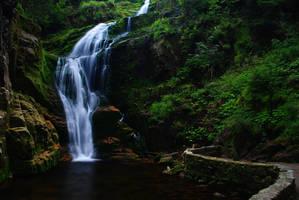 Kamienczyk Waterfall by Neuromancer1987