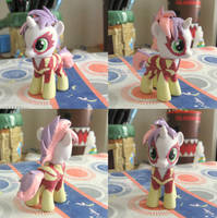 Show Stopper Sweetie Belle by Amandkyo-Su