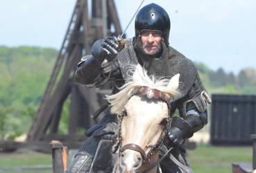 Charging Knight by MedievalJunkie