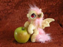 Tiny Flutterbat by Essorille
