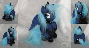 Sad Luna by Essorille