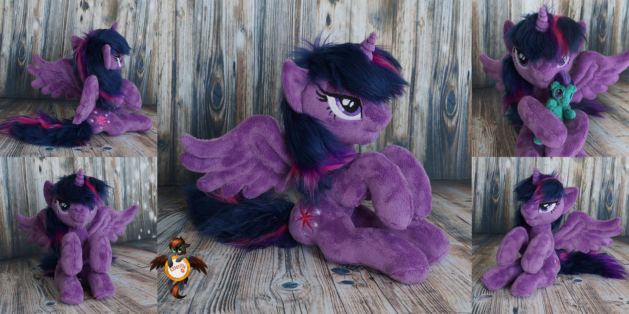 Twilight with OC-doll by Essorille