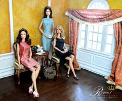 1:6 scale room-box with Noel Cruz repainted dolls by regentminiatures