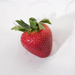 Strawberry2 by tea