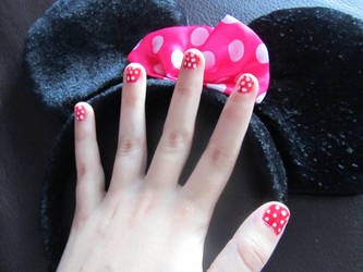 Minnie Mouse nails by quwira
