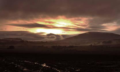 Last sunset of 2007 by DaveAyerstDavies