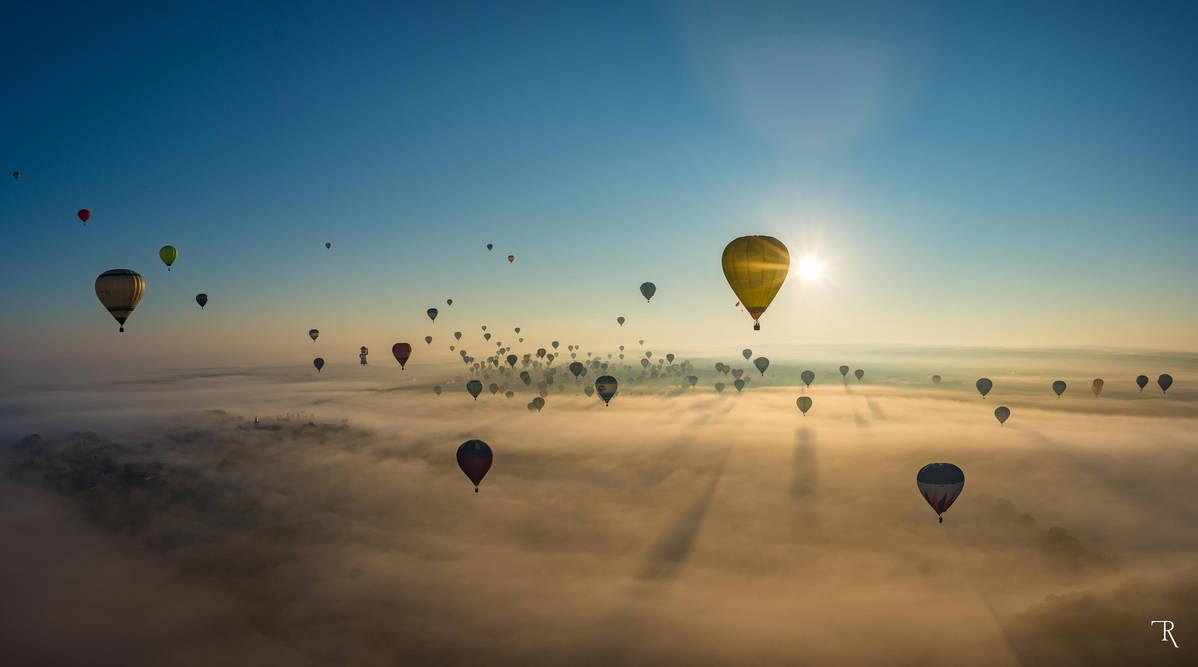 Foggy flight by ignuz