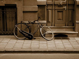 tired bicycle by kocID by HungaroMania