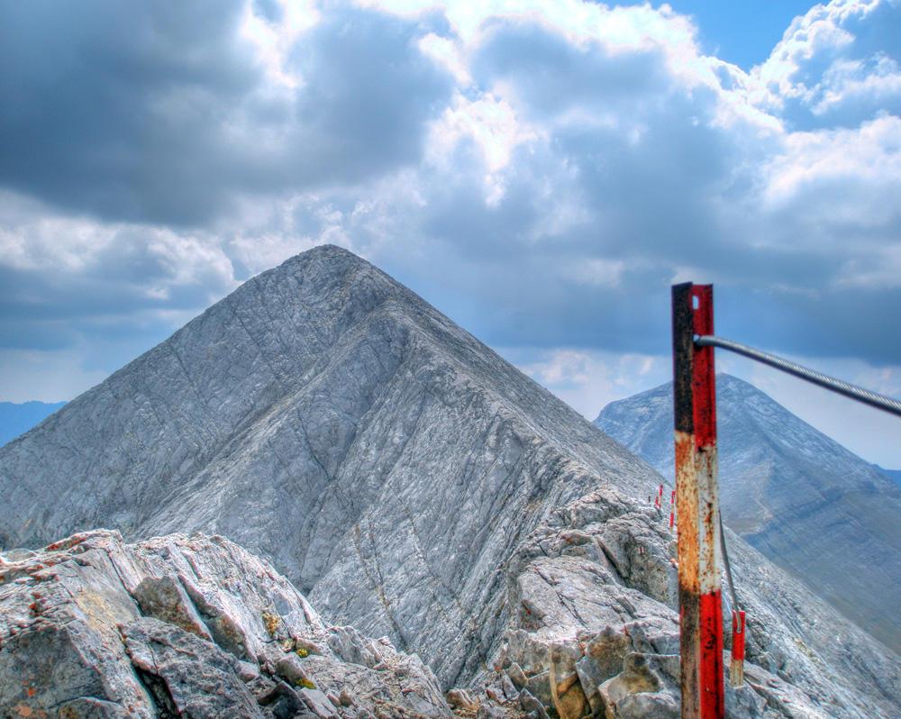 Savage Mountain by Kemendil
