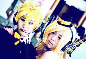 BLACK MAGNET - Len+Rin by RunawayKid