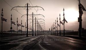 Bridge in the morning by piximi