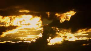 Evening Clouds by Ellrohir