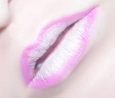 Pink-White Lips by Kizuna-chan