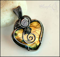 Golden labradorite and sterling silver heart by amorfia