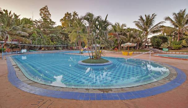 book hotel in Shirdi by hotelsaileela